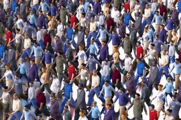 JAK BIEGNĄ WSZYSCY, BIEGNIESZ I TY – poznaj podstawy psychologii tłumu!