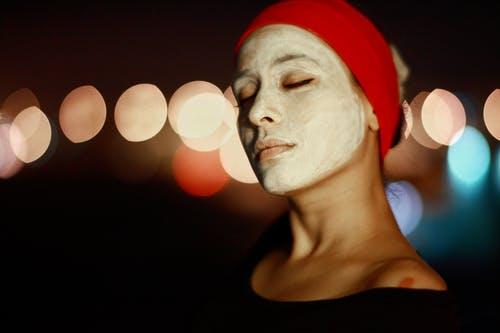 ZDĄŻYĆ PRZED WIOSNĄ – naturalne przepisy na pielęgnację twarzy i ciała