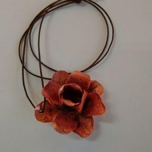 Naszyjnik – róża (projekt autorski)