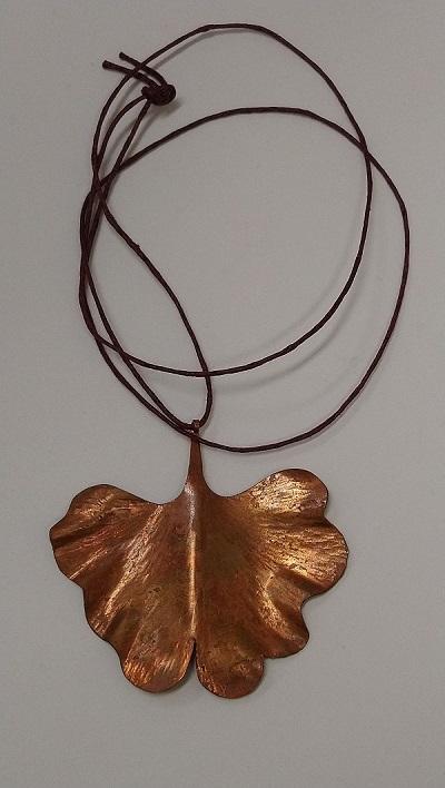 Naszyjnik z miedzi liść miłorzębu japońskiego